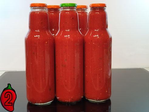 ostry-sos-pomidorowy-chili-butelkowanie